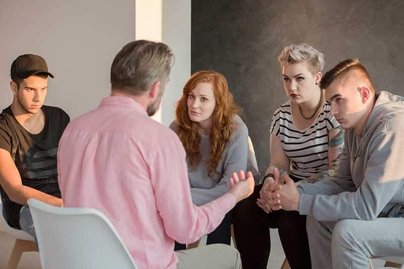 terapi yapan bir grup