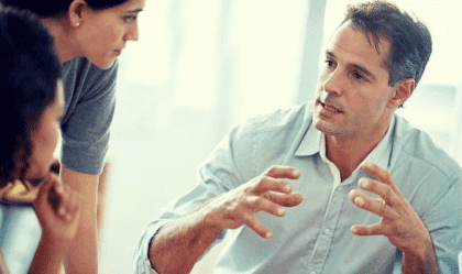Bir Konuşma Sırasında Nasıl Kendinizden Emin Görünebilirsiniz?