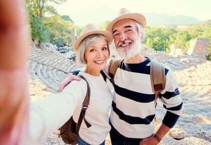 Orta Yaşlı İnsanlar En Mutlu İnsanlardır