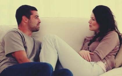 Bir İlişkide İletişimi Geliştirmek İçin Beş İpucu