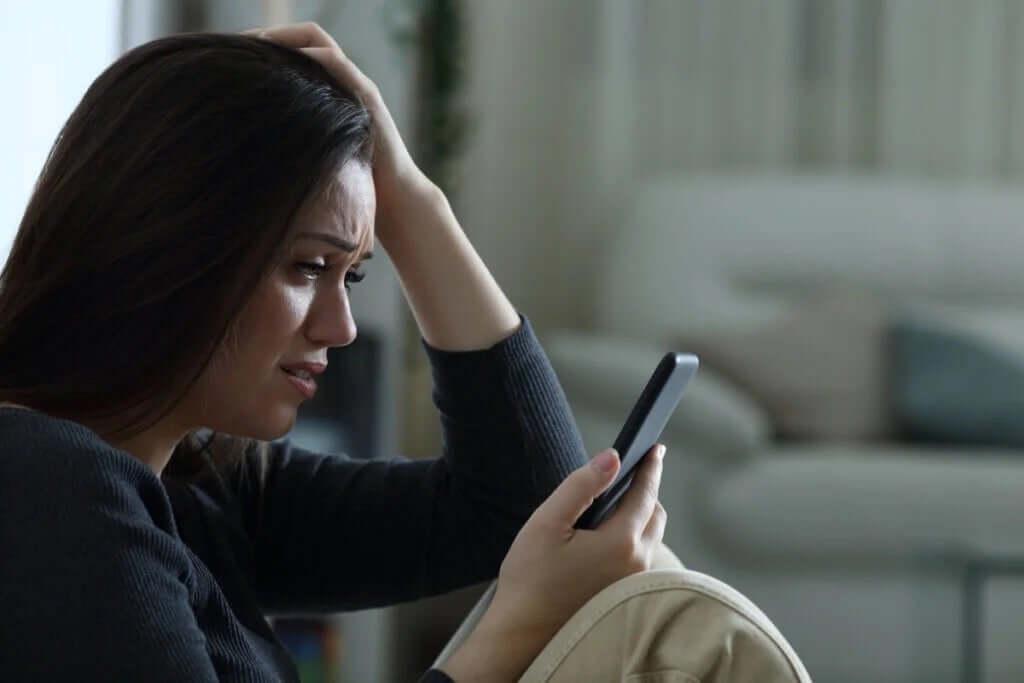 Sadfishing: Duygusal Sorunları Çevrimiçi Yayınlamak