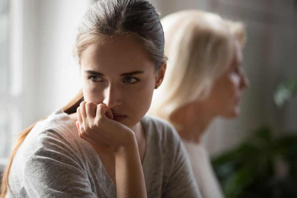 hayal kırıklığına uğramış kadın